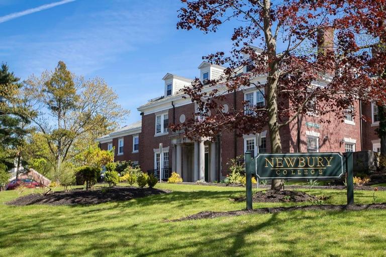 Newbury-College-1700x1123