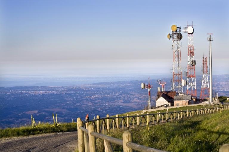 istock_tower_mountain-min.jpg